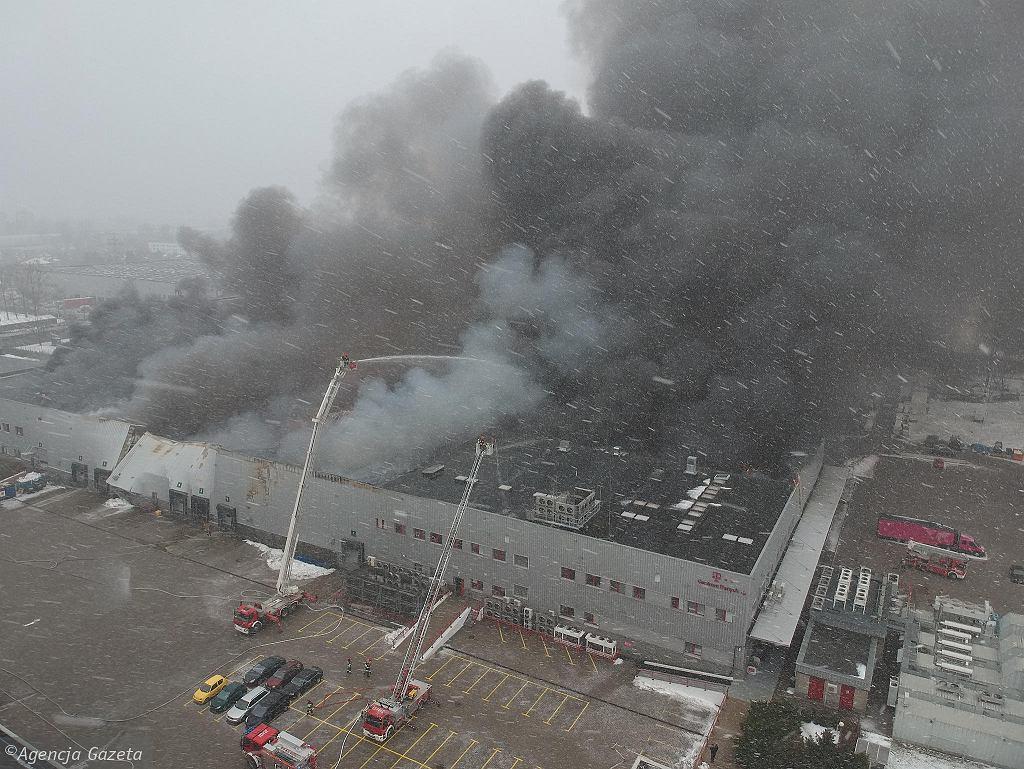 PoPożar hali T-Mobile w Warszawie
