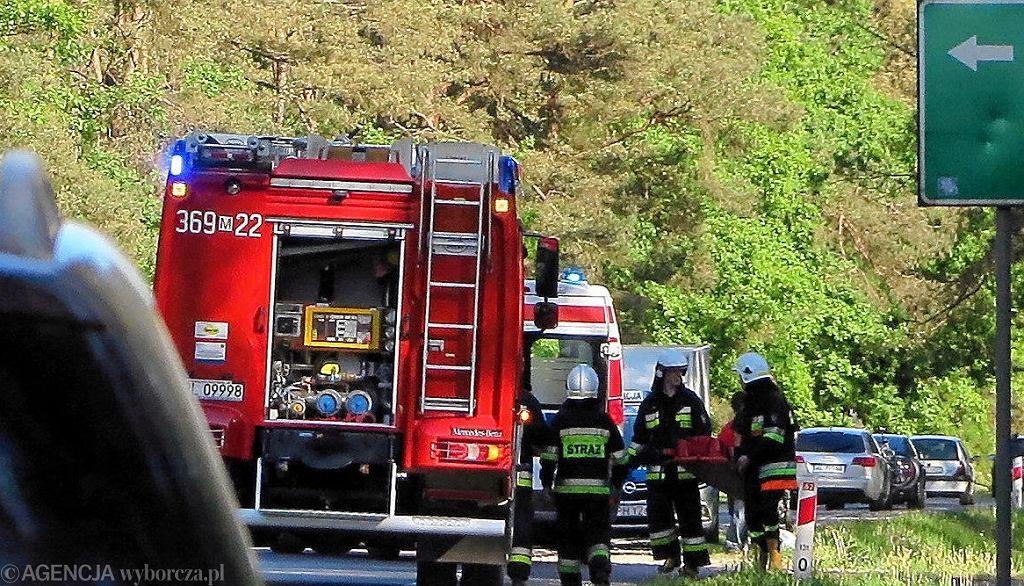 Wypadek pod Olsztynem skończył się śmiercią kierowcy (straż pożarna - zdjęcie ilustracyjne)