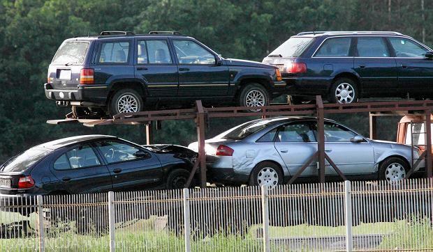 Rząd szykuje zmianę stawek akcyzy - stanieją auta... z dużymi silnikami