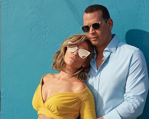Jennifer Lopez to prawdziwa fit gwiazda. Nawet w seksownych stylizacjach odsłania sześciopak