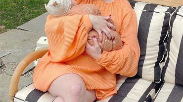 Emma Roberts pozuje z synem