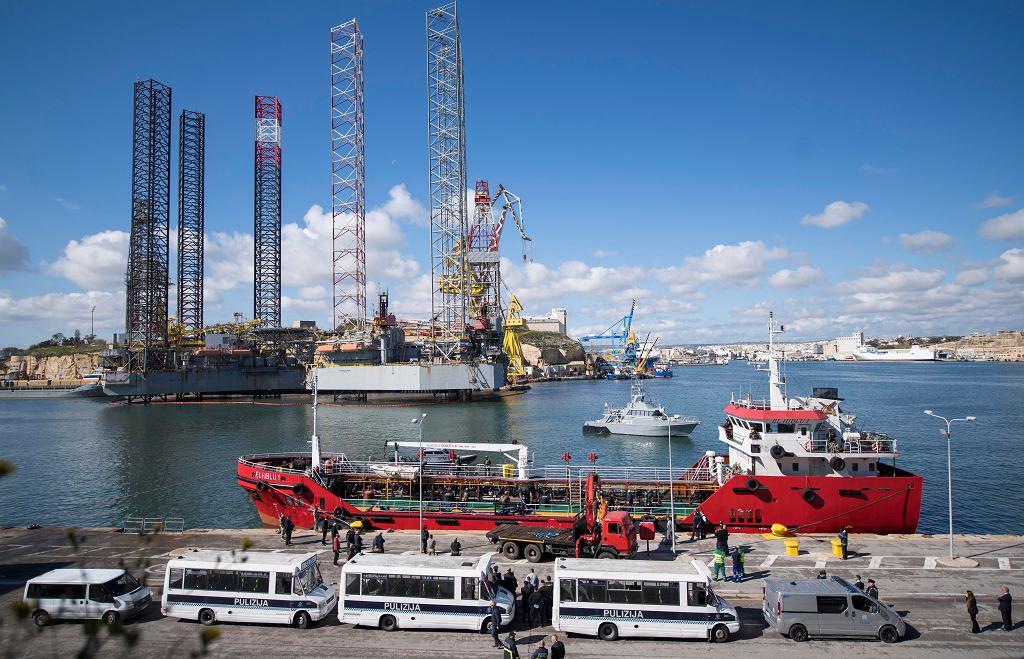 Malta. Siły zbrojne przejęły kontrolę nad statkiem uprowadzonym przez migrantów z Libii