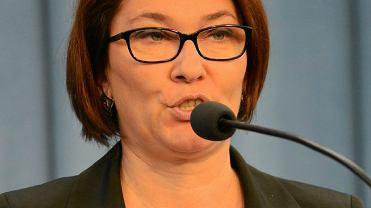 Beata Mazurek, posłanka PIS podczas konferencji prasowej na temat nowelizacji ustawy o służbie cywilnej