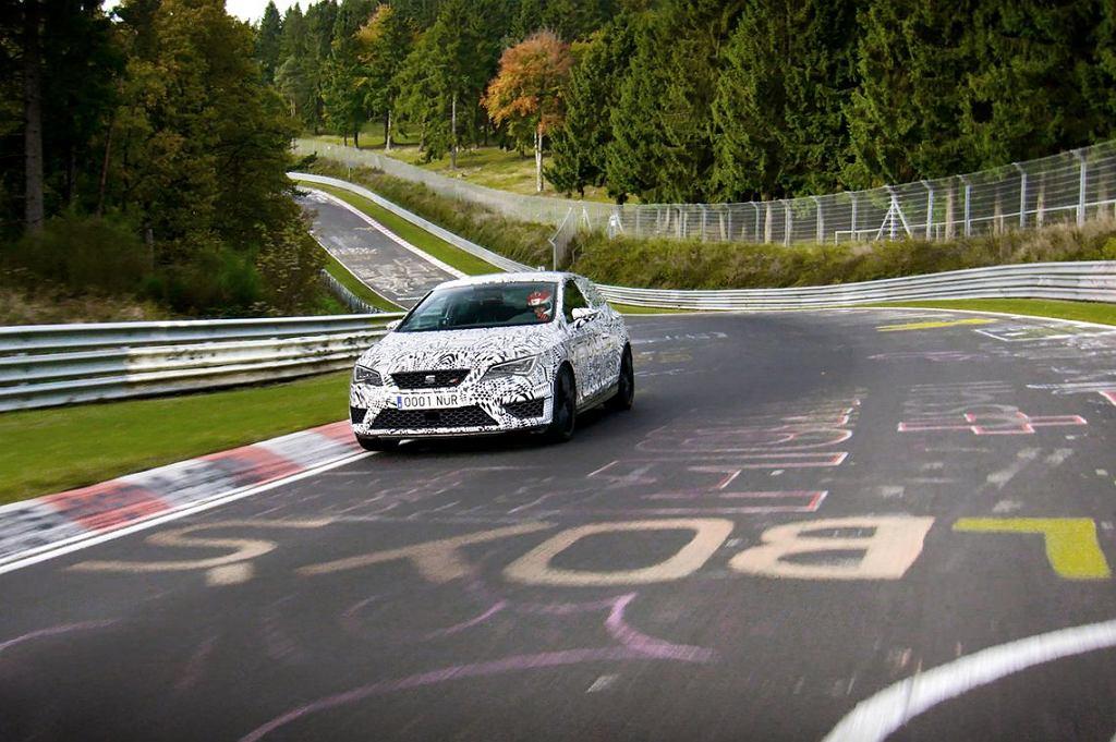 Seat Leon Cupra 280 na torze Nurburgring
