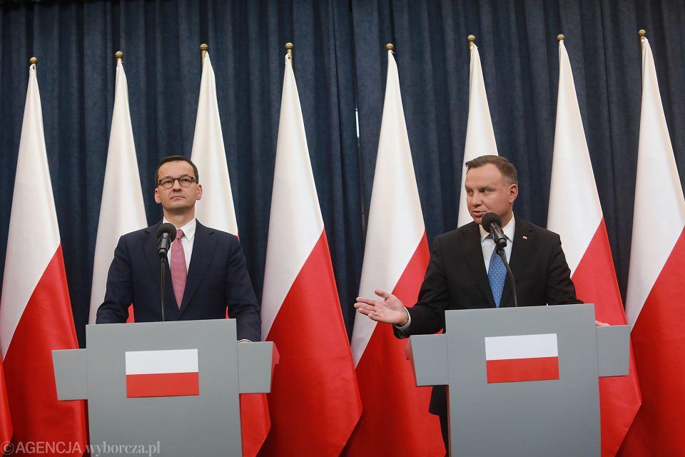 06.03.2020 Warszawa . Pałac Prezydencki. Prezydent Andrzej Duda (p) oraz premier Mateusz Morawiecki (l) podczas konferencji prasowej.