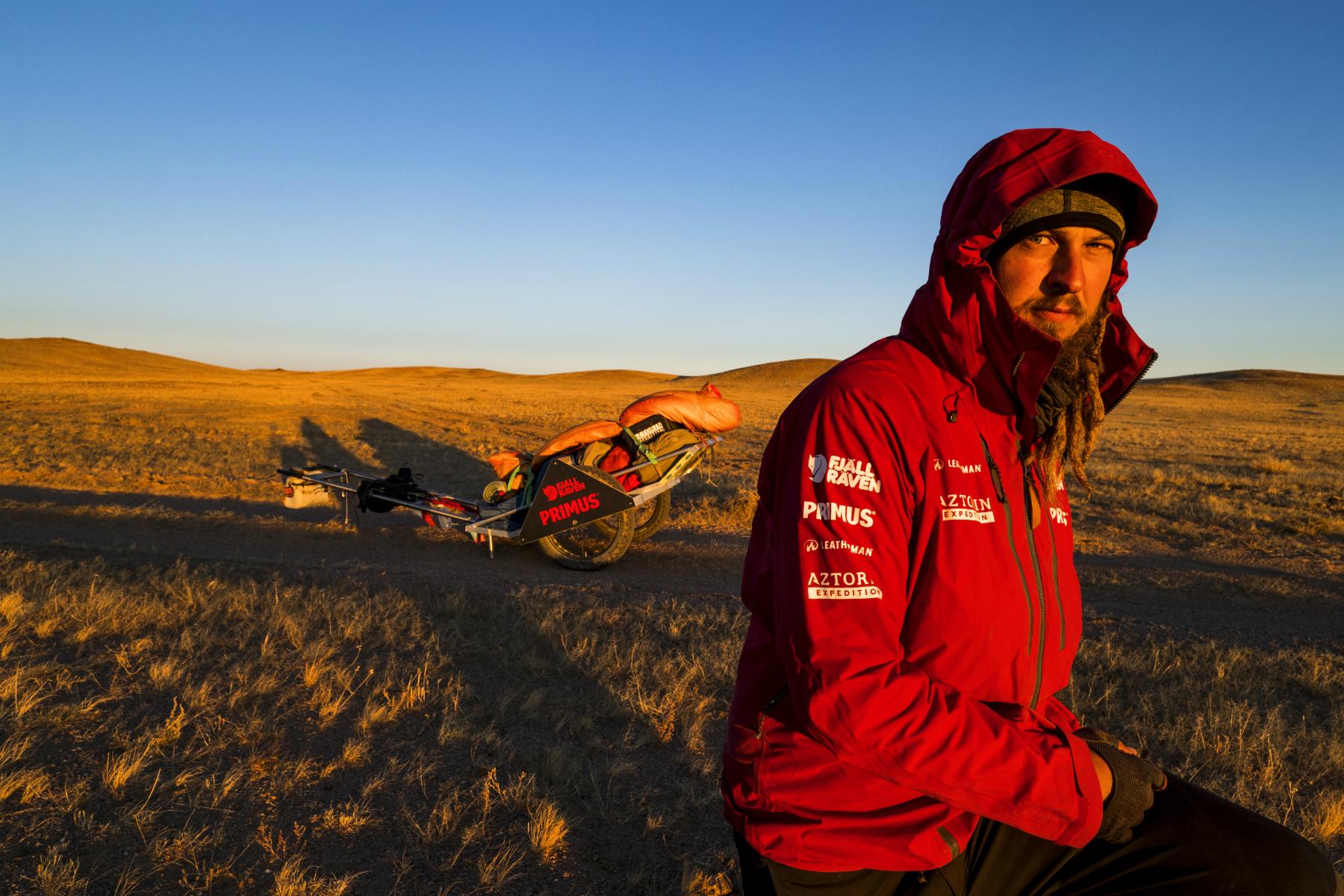 Zanim wyruszył w wyprawę po pustymi Gobi, przeszedł boliwijską Salar de Uyuni, największą pustynię solną na świecie (fot: archiwum prywatne)