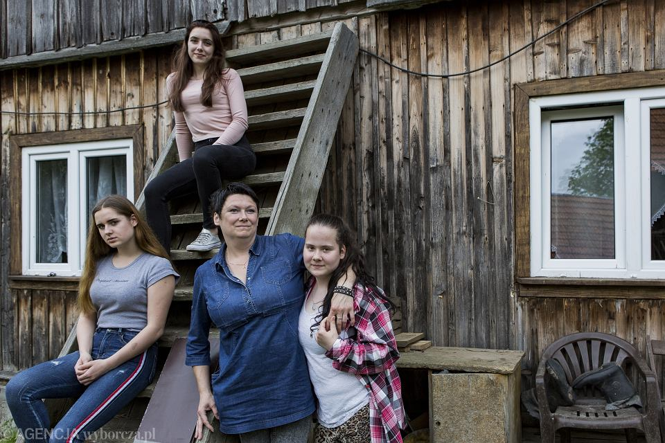 Anna Bednarek z córkami: Natalią, Paulina i Moniką