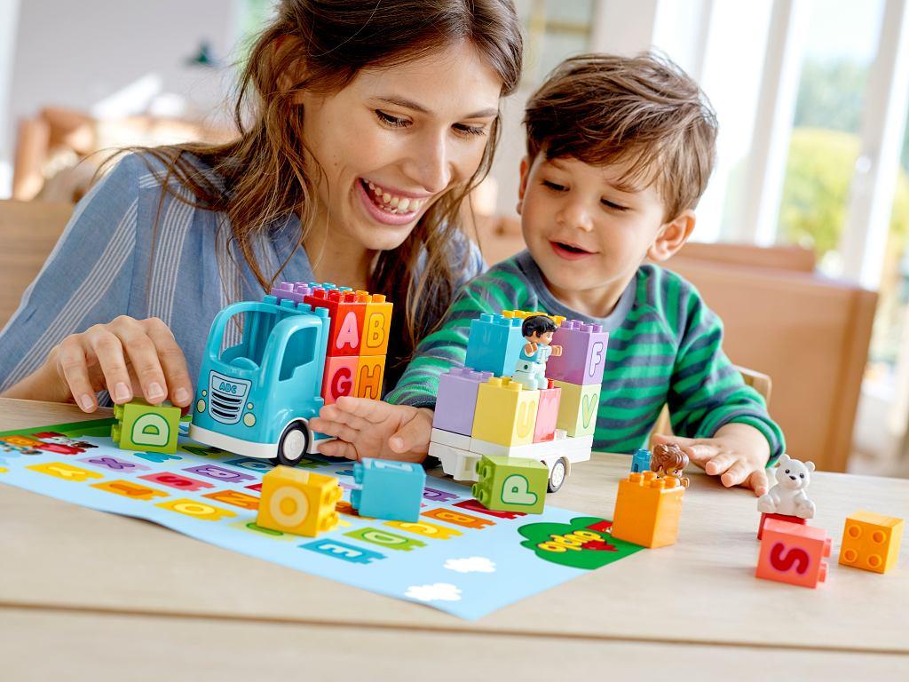 Dzieci i obowiązki domowe. Zacznijcie od... zabawy