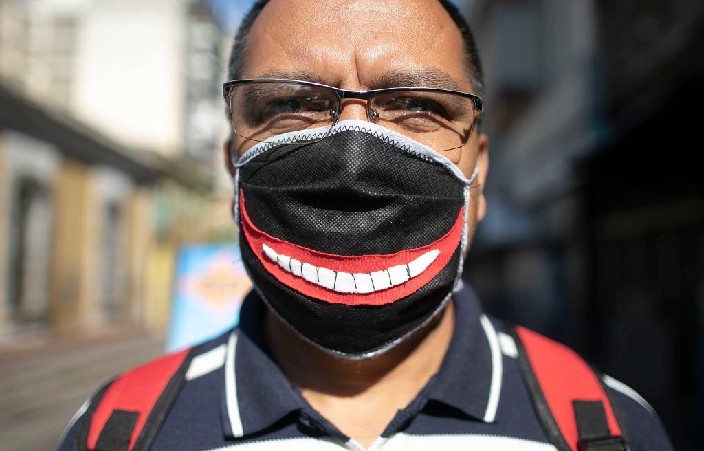 Virus Outbreak Losing Face