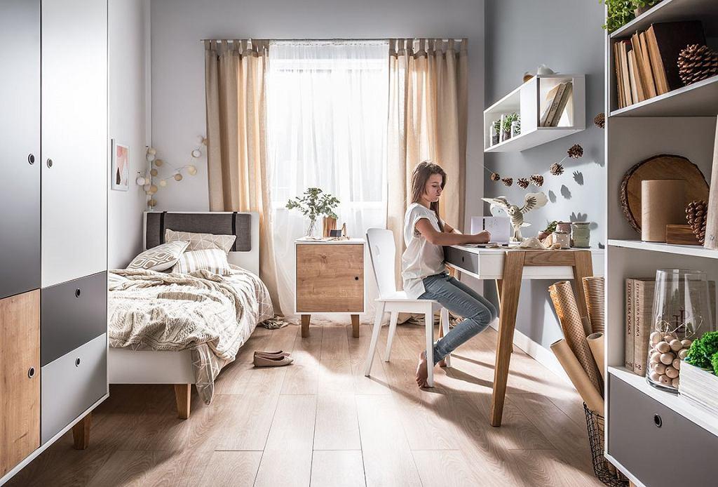 Łóżko jednoosobowe w stylowym pokoju dla nastolatki