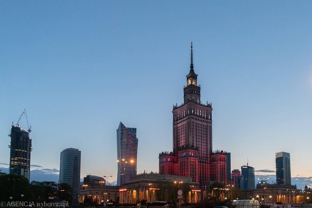 S&P zmieniło prognozy. Wg. najnowszych danych, PKB Polski spadnie o 4 proc.