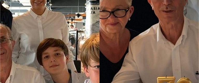 Rozenek pokazała rodzinne zdjęcie. Naszą uwagę przykuł jej brat. Jest bardzo przystojny