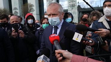 Jacek Dubois, pełnomocnik Igora Tulei, przed gmachem Sądu Najwyższego