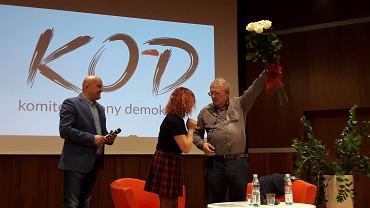 Spotkanie Adama Michnika ze zwolennikami KOD w Pile