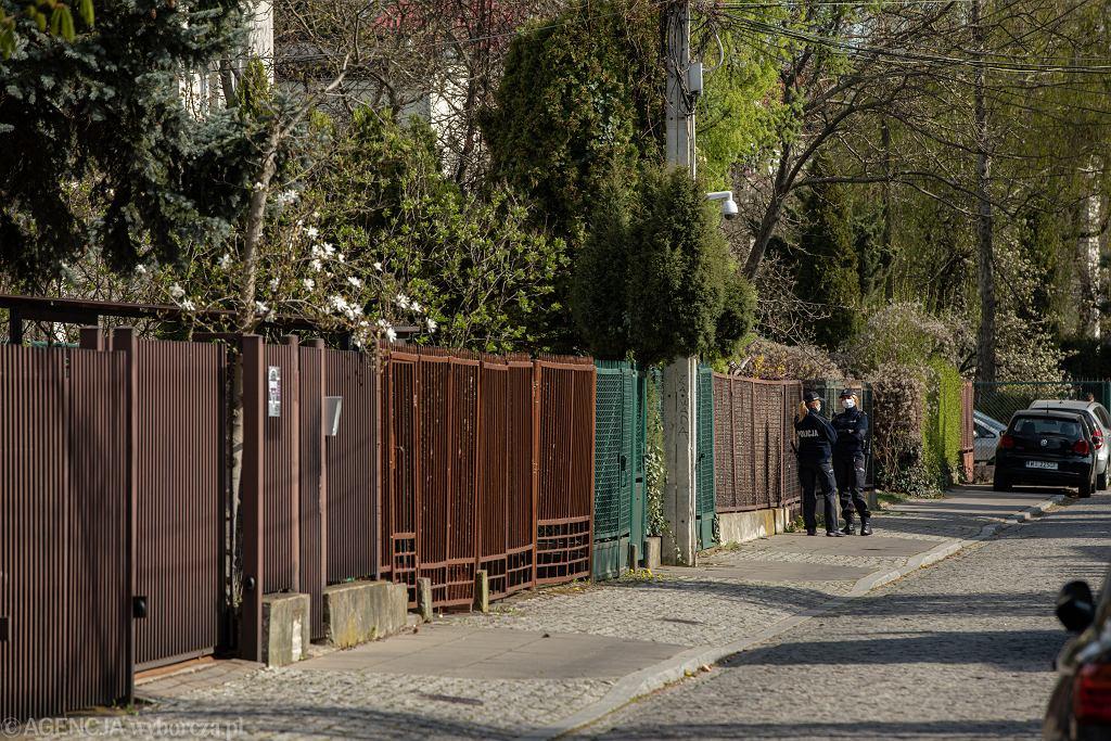 Patrole w pobliżu willi Jarosława Kaczyńskiego