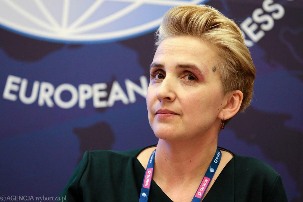 Joanna Scheuring-Wielgus zapytała, czy Mateusz Morawiecki jest 'dzbanem czy premierem'. Zdjęcie ilustracyjne