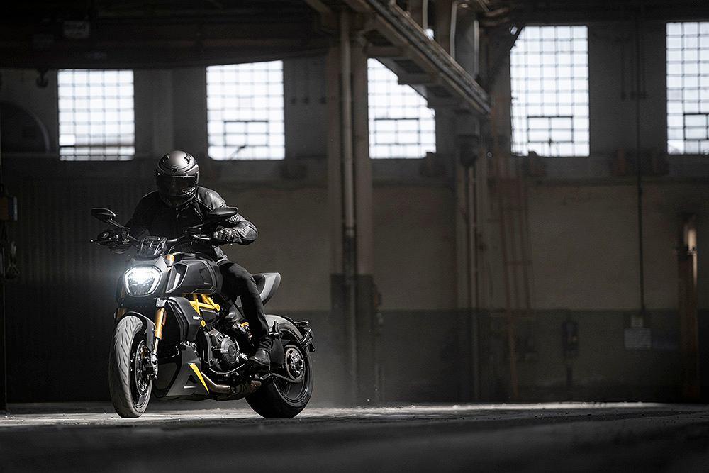 Ducati Diavel 1260 S Black and Steel 2022