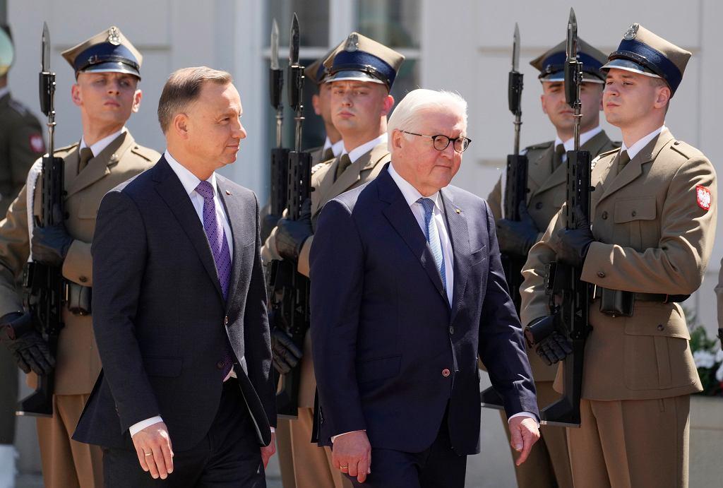 Prezydent RP Andrzej Duda i prezydent Niemiec Frank-Walter Steinmeier podczas spotkania w Warszawie, 17 czerwca 2021 r.