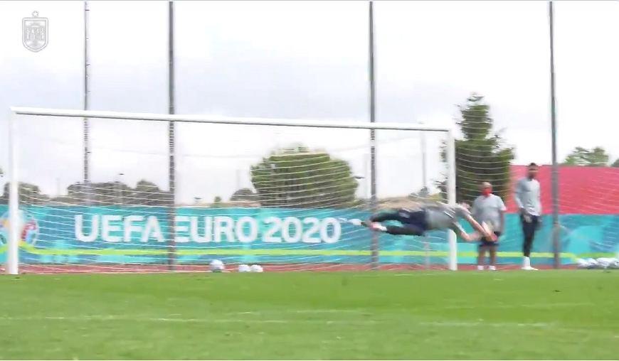 Un espectáculo de entrenamiento para los españoles antes del partido con Polonia.  Impresionante [WIDEO]