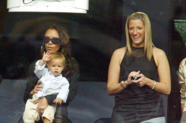 Victoria Beckham z synem Romeo, Joanne Beckham