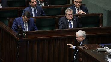 Mateusz Morawiecki i przedstawiciele rządu w Sejmie