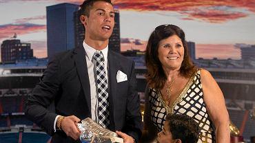 Cristiano Ronaldo ze swoją matką Dolores Aveiro i synem Cristiano Ronaldo jr