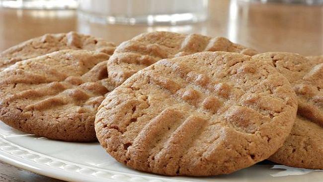 Trzy przepisy na dietyczne ciasteczka. Imbirowe, malinowe i migdałowe