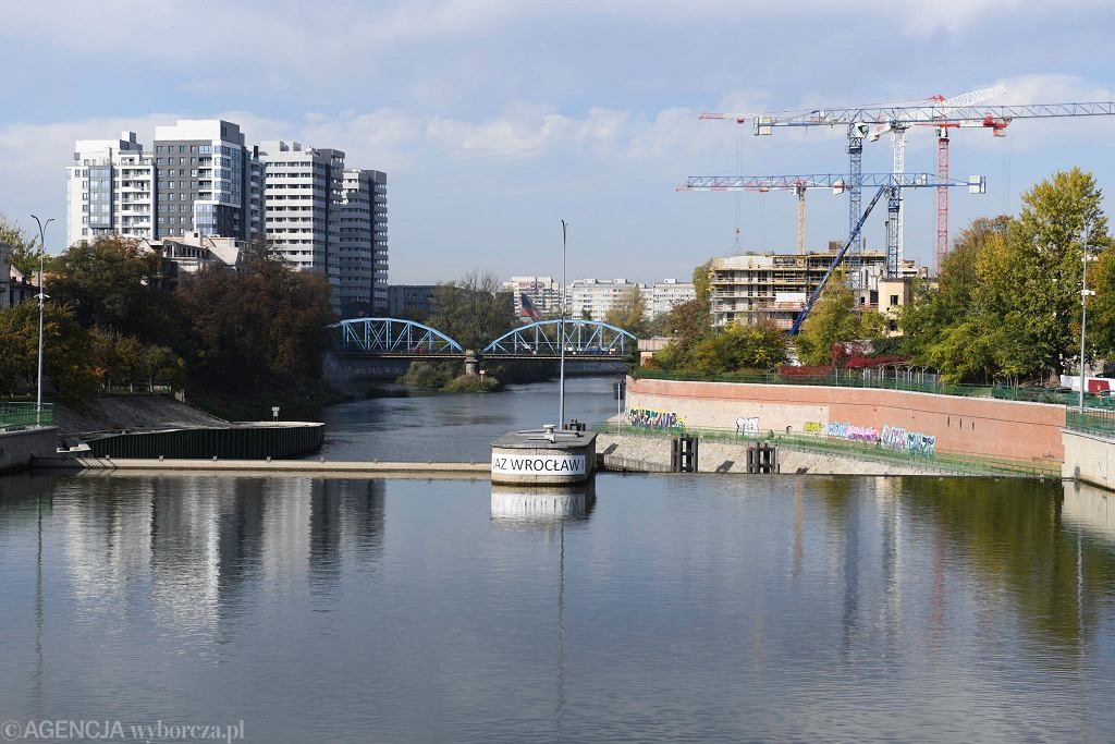 Nowe i budowane budynki mieszkalne nad Odrą