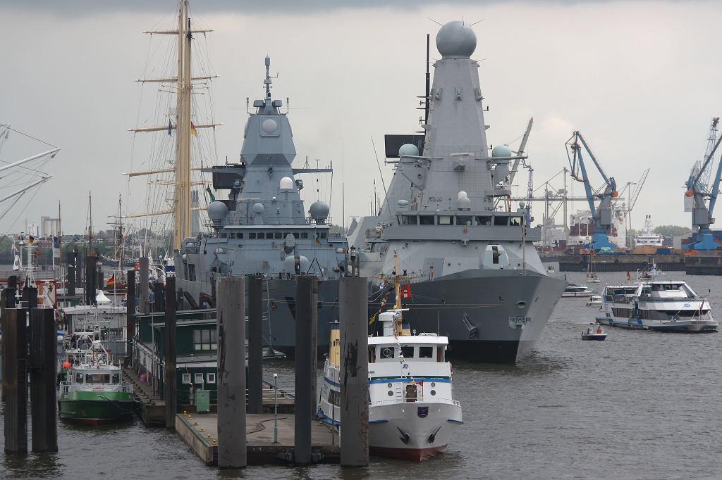 Zdjęcie ilustracyjne HMS Defender