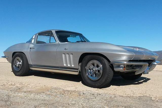 Chevrolet Corvette C2 z 1965 roku z przebiegiem 500 tys. mil