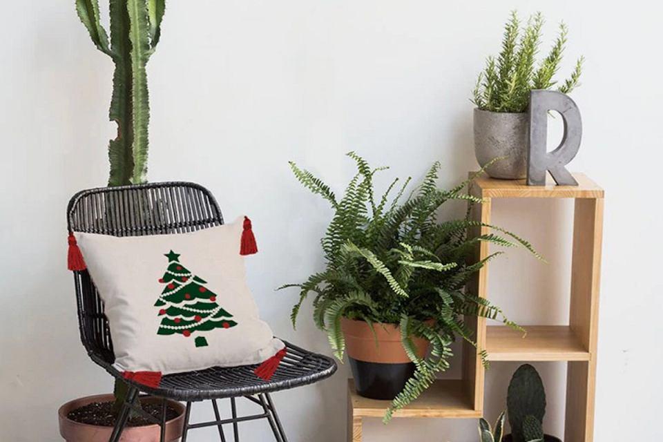 Poduszki świąteczne: dekoracje na Boże Narodzenie.