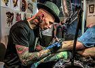 Igłą i tuszem. Tatuaże coraz popularniejsze?