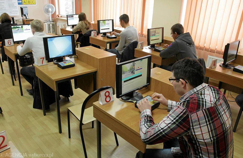 Egzamin teoretyczny w Wojewódzkim Ośrodku Ruchu Drogowego w Toruniu
