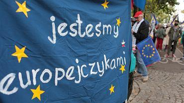 Protest przed Trybunałem Konstytucyjnym w Warszawie.