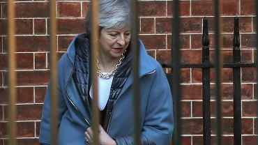 Premier Theresa May  w drodze na głosowanie ws. Brexitu. Londyn 14 lutego 2019