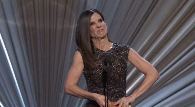 Sandra Bullock kontra koperta