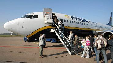 Samolot Ryanair na lotnisku w Goleniowie