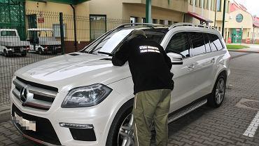 Luksusowy mercedes zatrzymany na przejściu granicznym w Grzechotkach okazał się być kradziony