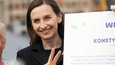 Dominika Wielowieyska przepytała Sylwię Spurek z 500 Plus.