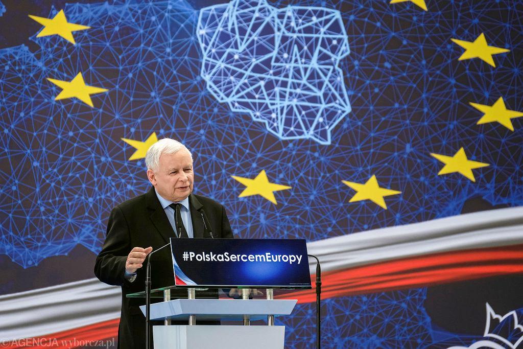 Prezes PiS Jarosław Kaczyński podczas konwencji swojej partii. Jasionka, 9 marca 2019