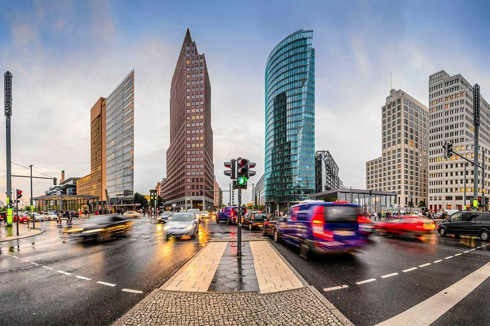 Zabudowany wieżowcami Potsdamer Platz