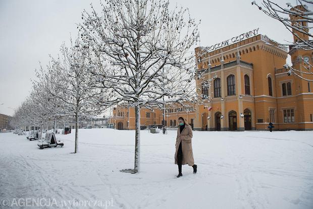 Zdjęcie numer 14 w galerii - Wrocław pod śniegiem. Zobacz zimowe zdjęcia z centrum miasta [FOTO]