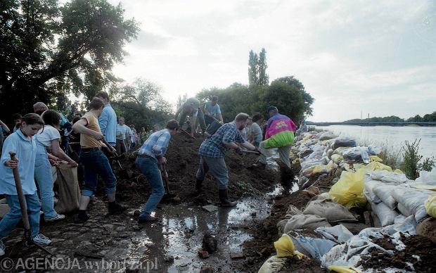 Zdjęcie numer 49 w galerii - 17 lat temu Odra zalała Wrocław. Tak wyglądało miasto [FOTO]