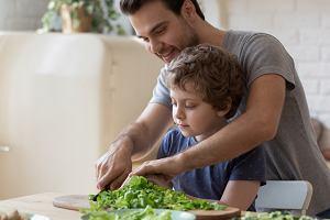 Zdrowe nawyki to coś, czego chcemy nauczyć dzieci. Tylko jak to zrobić?