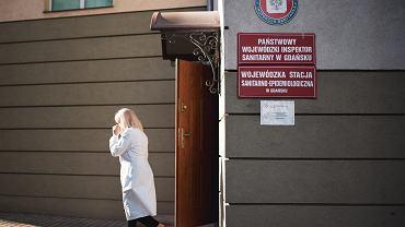 Wojewódzka Stacji Sanitarno-Epidemiologicznej w Gdańsku wykonuje testy na obecność koronawirusa.
