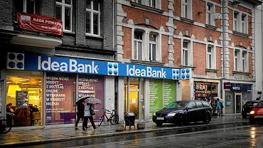Idea Bank przymusowo przejęty przez Pekao. Co to oznacza dla klientów banku?