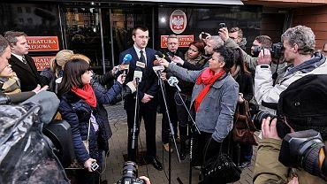 Rzecznik Prasowy Prokuratury Okręgowej dr Andrzej Mucha podczas konferencji prasowej dot. nielegalnych materiałów znalezionych w trakcie przeszukania celi mariusza Trynkiewicza
