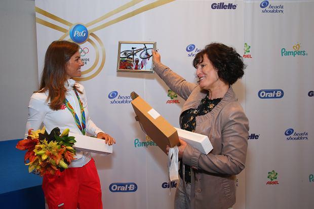 Maja Włoszczowska z mamą Ewą świętują sukces w P&G Family Home Rio 2016