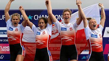 Agnieszka Kobus-Zawojska (pierwsza z prawej)