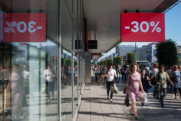 Ceny w Polsce wzrosły w lipcu o 2 proc. Tanieje żywność, drożeją paliwa (aż o 18 proc.!)